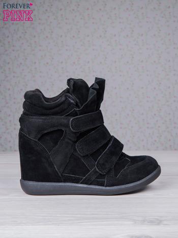 Czarne zamszowe sneakersy na rzepy                                  zdj.                                  2