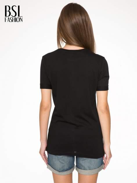Czarnny t-shirt z nadrukiem PARIS MILANO                                  zdj.                                  4