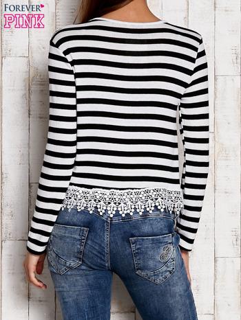 Czarno-biała bluzka w paski z koronką                                  zdj.                                  2