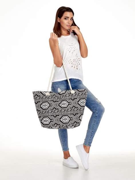 Czarno-biała torba plażowa w azteckie wzory                                  zdj.                                  2