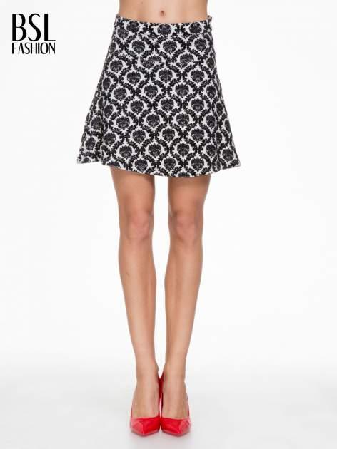 Czarno-biała trapezowa spódnica w ornamentowy wzór roslinny                                  zdj.                                  1