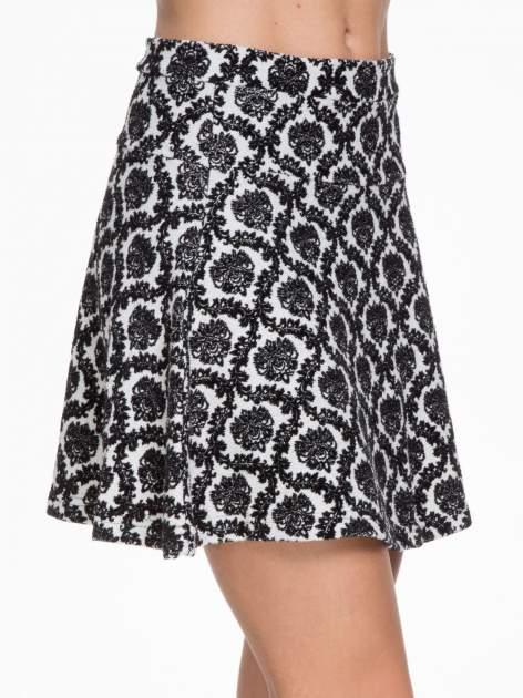 Czarno-biała trapezowa spódnica w ornamentowy wzór roslinny                                  zdj.                                  6