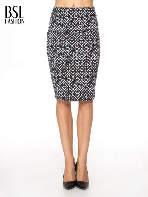 Czarno-biała wzorzysta spódnica ołówkowa                                  zdj.                                  1