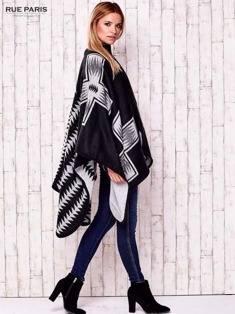 Czarno-białe dwustronne poncho w azteckie wzory                                  zdj.                                  4