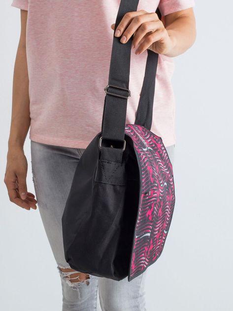 Czarno-czerwona torba na ramię we wzory                              zdj.                              3