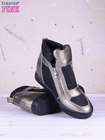 Czarno-srebrne sneakersy Agnes z suwakiem z boku, lakierowanymi wstawkami i materiełem z efektem glitter                               zdj.                              4