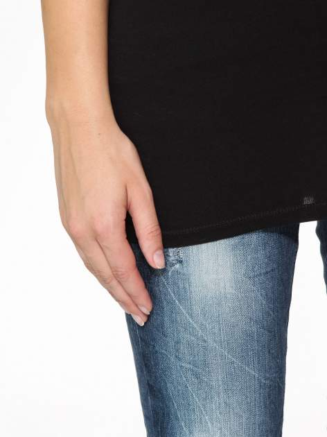 Czarny basicowy top na cienkich ramiączkach                                  zdj.                                  7