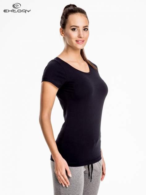Czarny damski t-shirt sportowy basic PLUS SIZE                                  zdj.                                  3