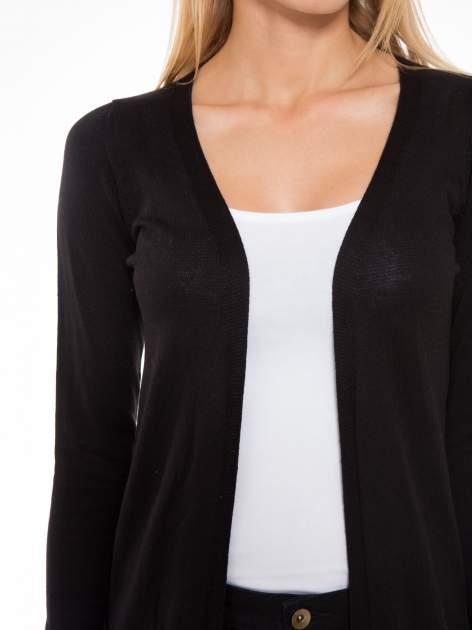Czarny długi gładki sweter kardigan z kieszeniami                                  zdj.                                  5