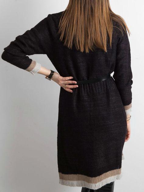 Czarny długi sweter damski z dzianiny                              zdj.                              2