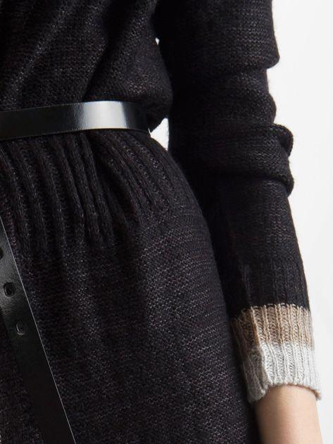 Czarny długi sweter damski z dzianiny                              zdj.                              6