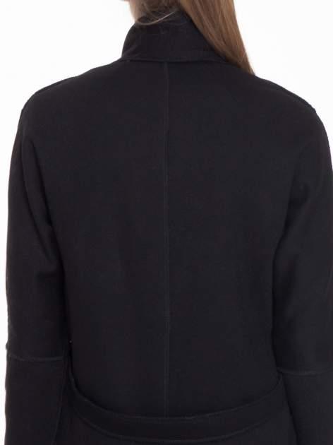 Czarny dresowy płaszcz o kroju oversize                                  zdj.                                  7
