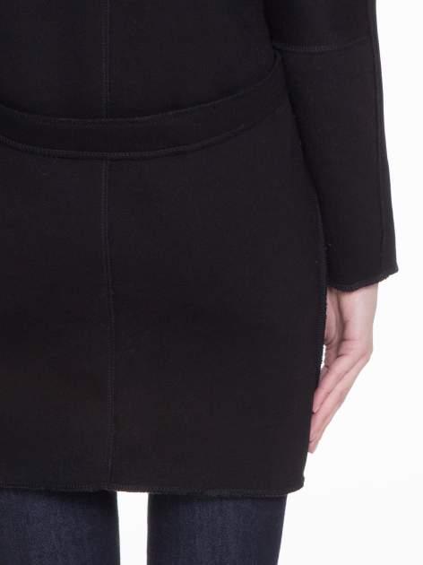 Czarny dresowy płaszcz o kroju oversize                                  zdj.                                  8