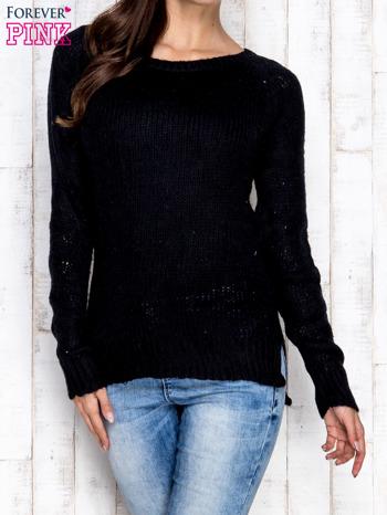 Czarny dzianinowy sweter o szerokim splocie                                  zdj.                                  1