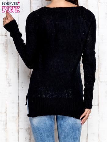 Czarny dzianinowy sweter o szerokim splocie                                  zdj.                                  4