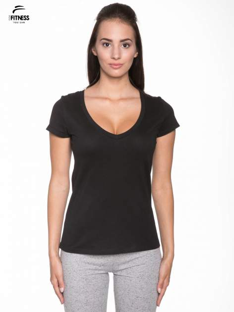 Czarny gładki t-shirt z dekoltem w serek                                  zdj.                                  1