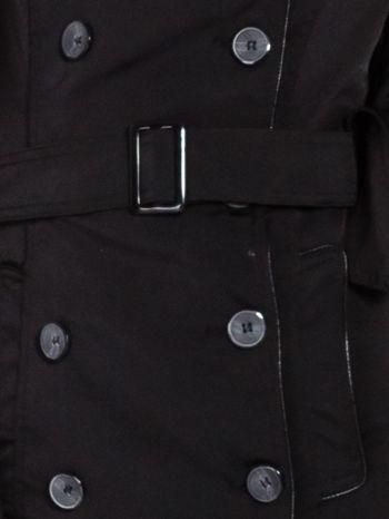 Czarny klasyczny płaszcz trencz ze skórzanym obszyciem                                  zdj.                                  6