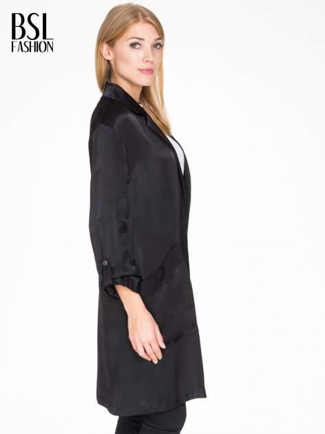 Czarny lejący żakiet z tkaniny z efektem połysku                                  zdj.                                  3