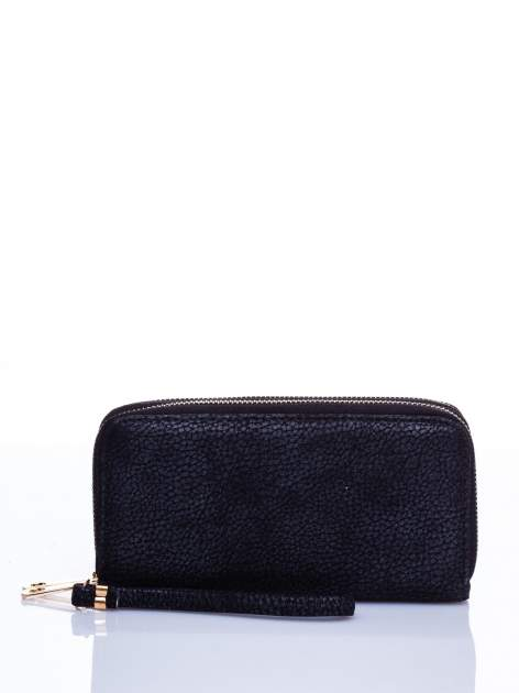 Czarny matowy portfel z rączką