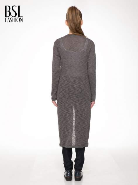Czarny melanżowy sweter typu długi kardigan                                  zdj.                                  4