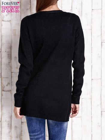 Czarny otwarty sweter z błyszczącą nitką                                  zdj.                                  4