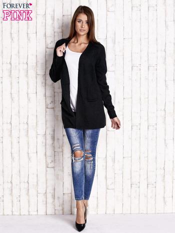 Czarny otwarty sweter z błyszczącą nitką                                  zdj.                                  2