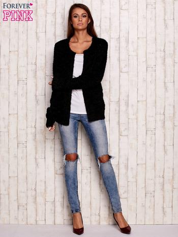 Czarny otwarty włochaty sweter                                   zdj.                                  2