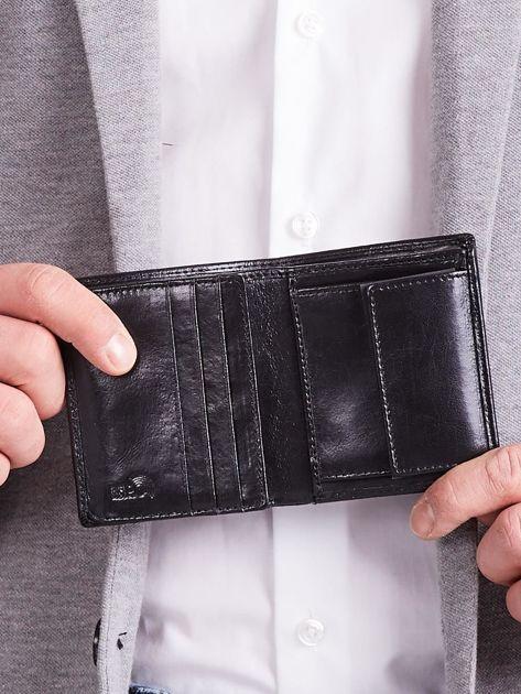 Czarny pionowy elegancki skórzany portfel                               zdj.                              8