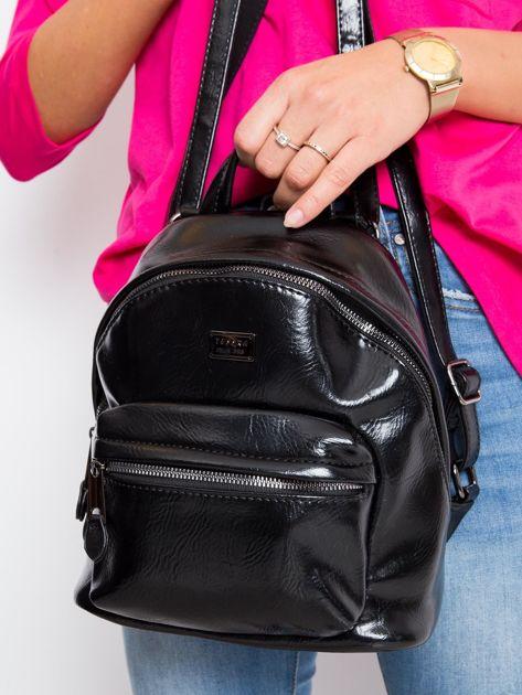 Czarny plecak z ekoskóry                              zdj.                              2