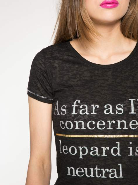 Czarny półtransparentny t-shirt z napisem                                  zdj.                                  5