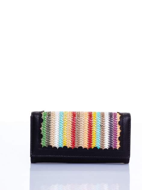 Czarny portfel z ażurowaniem i plecionką