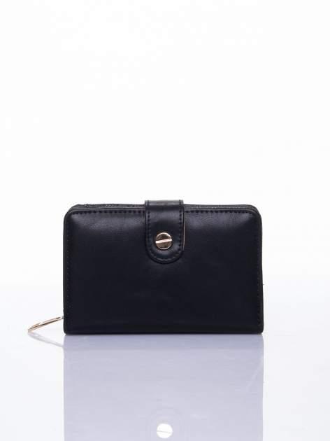 Czarny portfel z zatrzaskiem