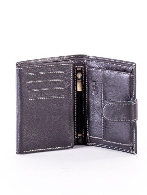 Czarny portfel ze skóry naturalnej z emblematem                              zdj.                              4