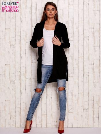 Czarny prążkowany sweter z kieszeniami                                  zdj.                                  2