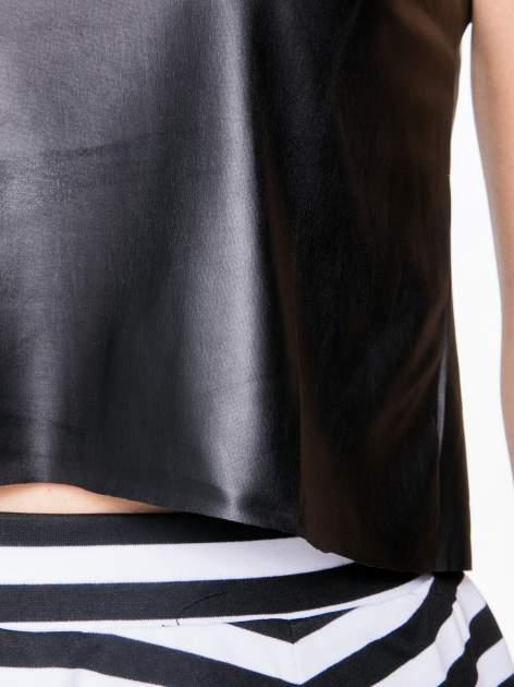 Czarny skórzany crop top w minimalistycznym stylu                                  zdj.                                  8