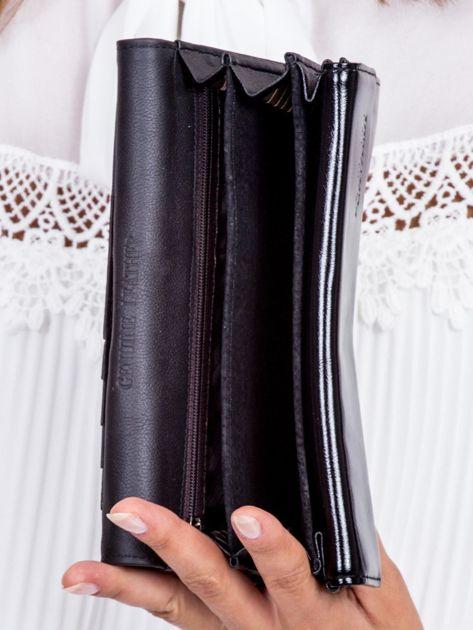 Czarny skórzany portfel z ozdobnym modułem                              zdj.                              5