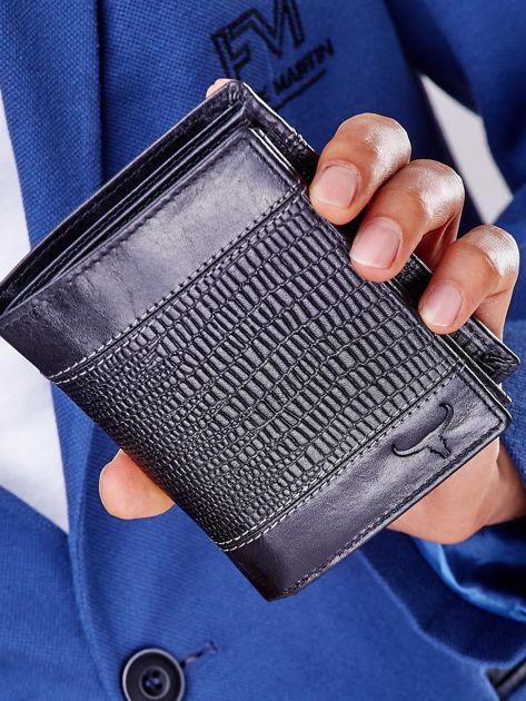Czarny skórzany portfel z tłoczonym wzorem                              zdj.                              6