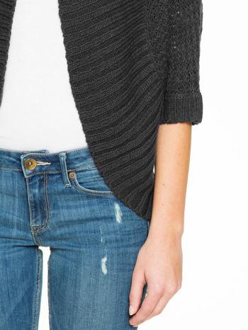 Czarny sweter narzutka z rękawem 3/4                                  zdj.                                  7