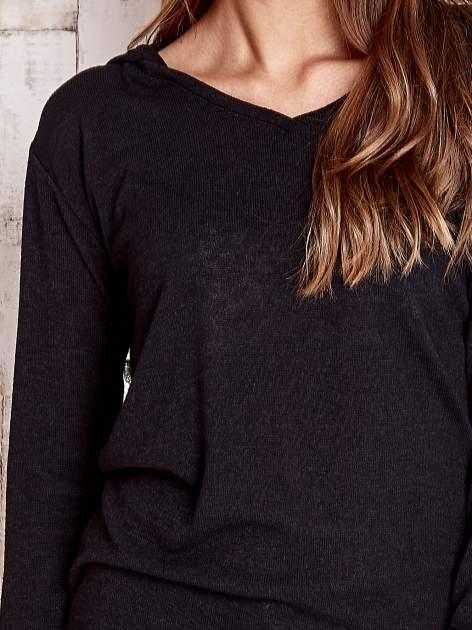 Czarny sweter z kapturem                                  zdj.                                  5