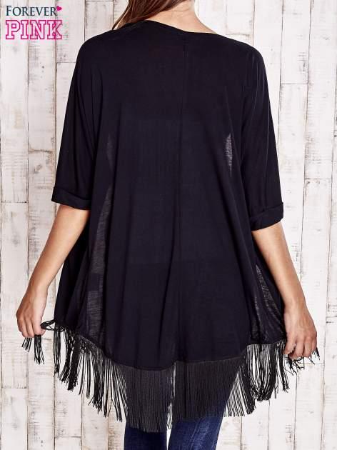 Czarny sweter z podwijanymi rękawami i frędzlami                                  zdj.                                  4
