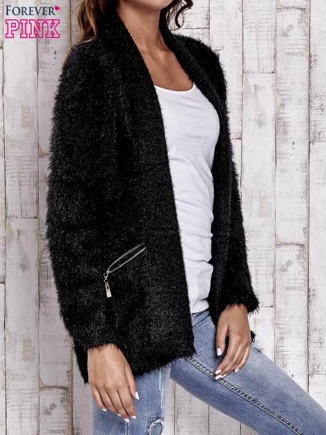 Czarny sweter ze złotymi suwakami                                  zdj.                                  3