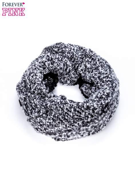 Czarny szalik bouclé z frędzlami                                  zdj.                                  3