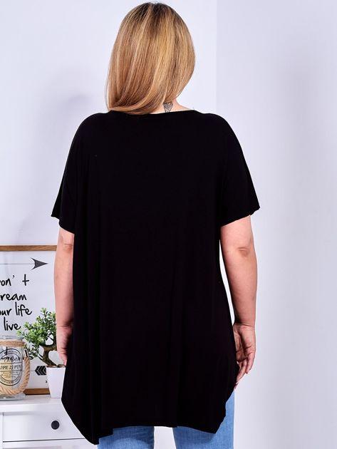 Czarny t-shirt damski w motyle PLUS SIZE                              zdj.                              2