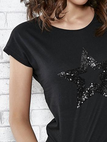 Czarny t-shirt damski z aplikacją gwiazdy z cekinów                                  zdj.                                  5