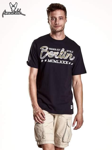 Czarny t-shirt męski z nadrukiem moro                                  zdj.                                  2