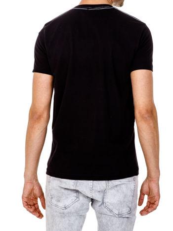 Czarny t-shirt męski z nadrukiem napisu THE ROCKIES                                  zdj.                                  5