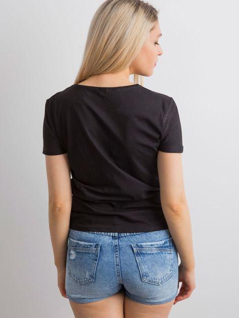 Czarny t-shirt z aplikacją 3D                              zdj.                              2
