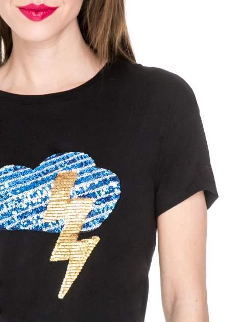 Czarny t-shirt z aplikacją burzy z cekinów                                  zdj.                                  5