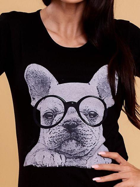 Czarny t-shirt z buldożkiem                              zdj.                              5