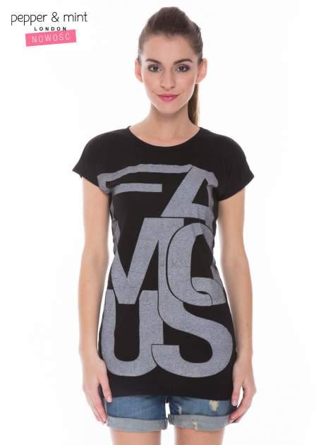 Czarny t-shirt z dużym nadrukiem tekstowym FAMOUS                                  zdj.                                  1